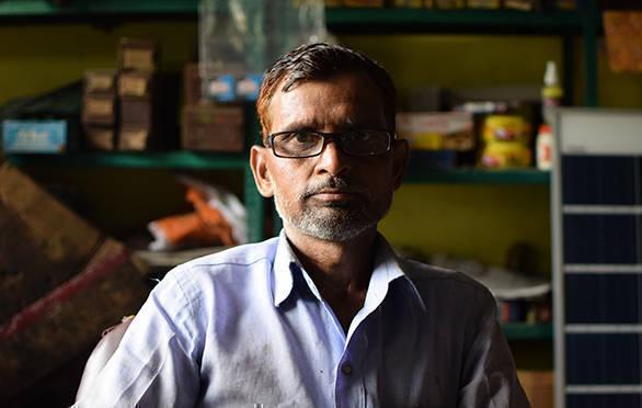 Shamsuddin at his workplace at Palika Bazar, near Tasveer Mahal, Aligarh