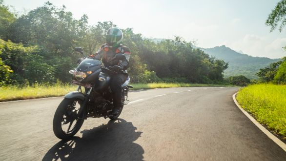 Bajaj Pulsar 125 OVERDRIVE Road Test Review (1)