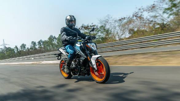 BSVI KTM Duke 200 first ride review