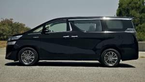 180 units of Toyota Vellfire MPV already sold in India