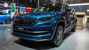 Spec Comparo: Skoda Karoq vs Jeep Compass vs Volkswagen T-Roc