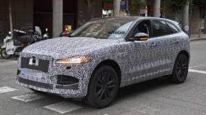 Jaguar F-Pace facelift caught testing, launch expected in 2020
