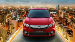 Honda Amaze being offered with anniversary benefits upto Rs 32,000