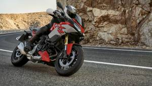 BMW F 900 R and F 900 XR to be launched in India on May 21