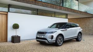 Range Rover Evoque and Discovery Sport get P300e PHEV powertrain internationally