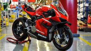 Ducati Superleggera V4 001/500 rolled out from the Borgo Panigale plant