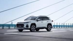 Suzuki ACross unveiled, derived from Toyota RAV4 hybrid