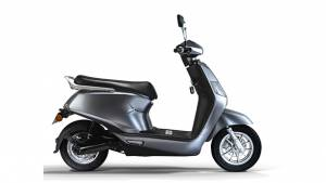 BGauss commences online bookings for A2 and B8 electric scooters, pricing starts at Rs 52,499