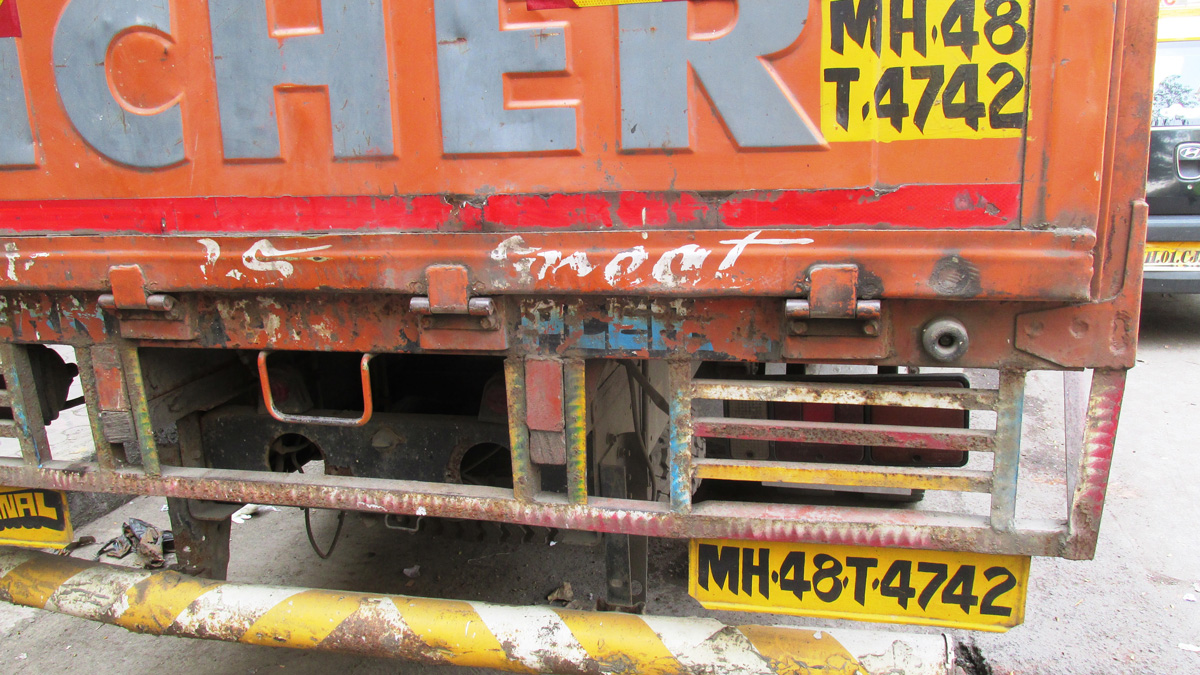 Invisible vehicles causing more accidents and road fatalities in India