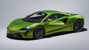 McLaren Artura supercar debuts plug-in hybrid tech, new V6 and platform