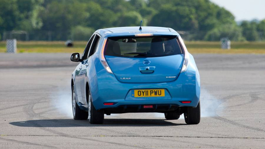 Electric vehicles - why they don't have a gearbox and how it's possible to go as fast backwards, as forward