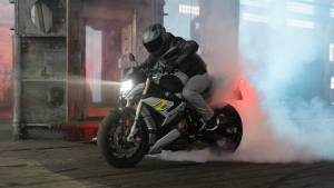 2021 BMW S 1000 R Lunched in India at 17.9 lakh