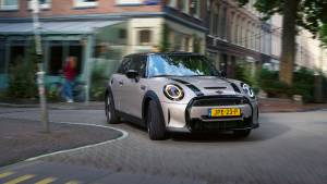 Mini India launches the 2021 Mini 3-door, Convertible and JCW, prices start from Rs 38 lakh