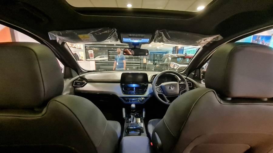 2021 Tata Harrier Dark Edition interior